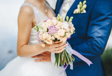 How to choose a contrast bouquet for a wedding